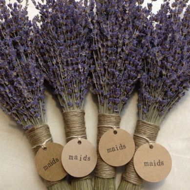 rustic-lavender-themed-wedding-with-lavender-sprigs-tied-with-twine